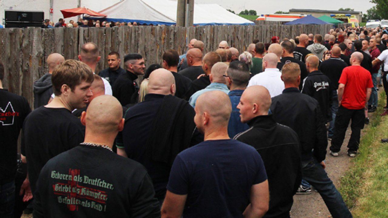 Nienhagen-2014-Warteschlange-am-Einlass