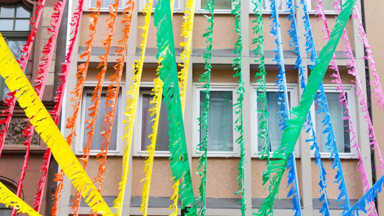 Ehe für alle: Bunte Straßendekoration bei Christopher Street D