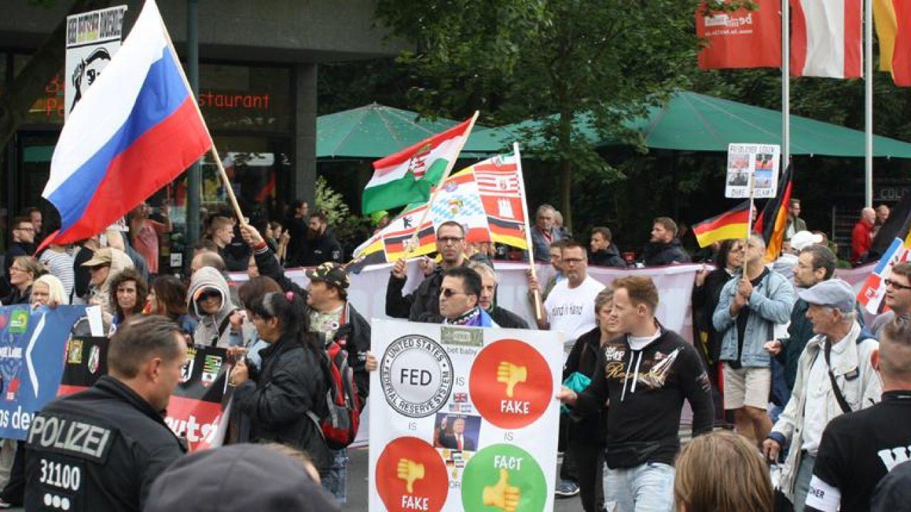12883-monat-rechtsextremismus