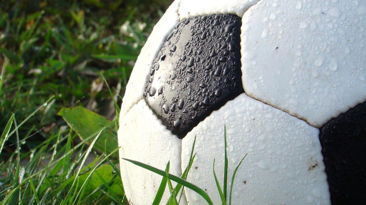 soccer-490669_1920-1