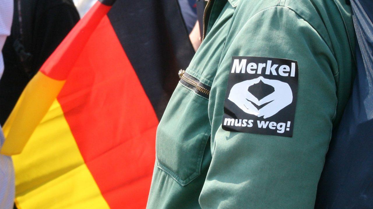 ü 2018-05-27 AfD Demo Berlin (20) merkel raute gegen Merkel