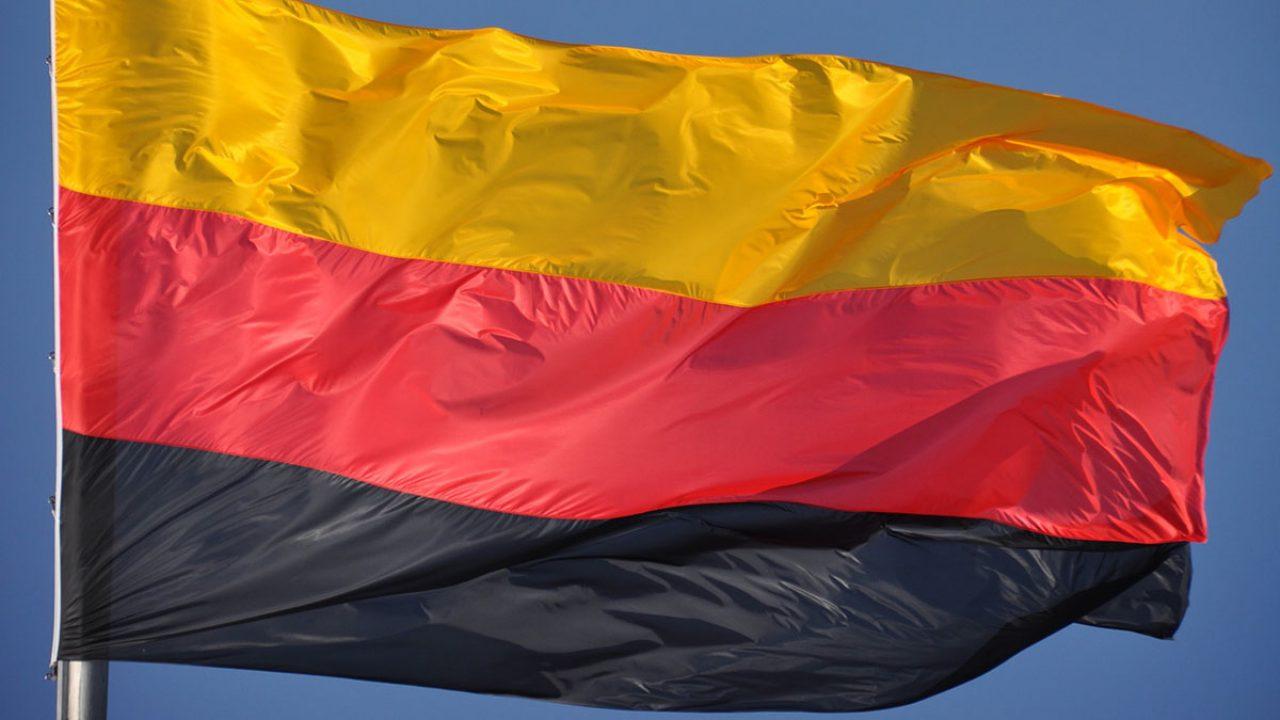Flagge verkehrt herum -1016362_1920