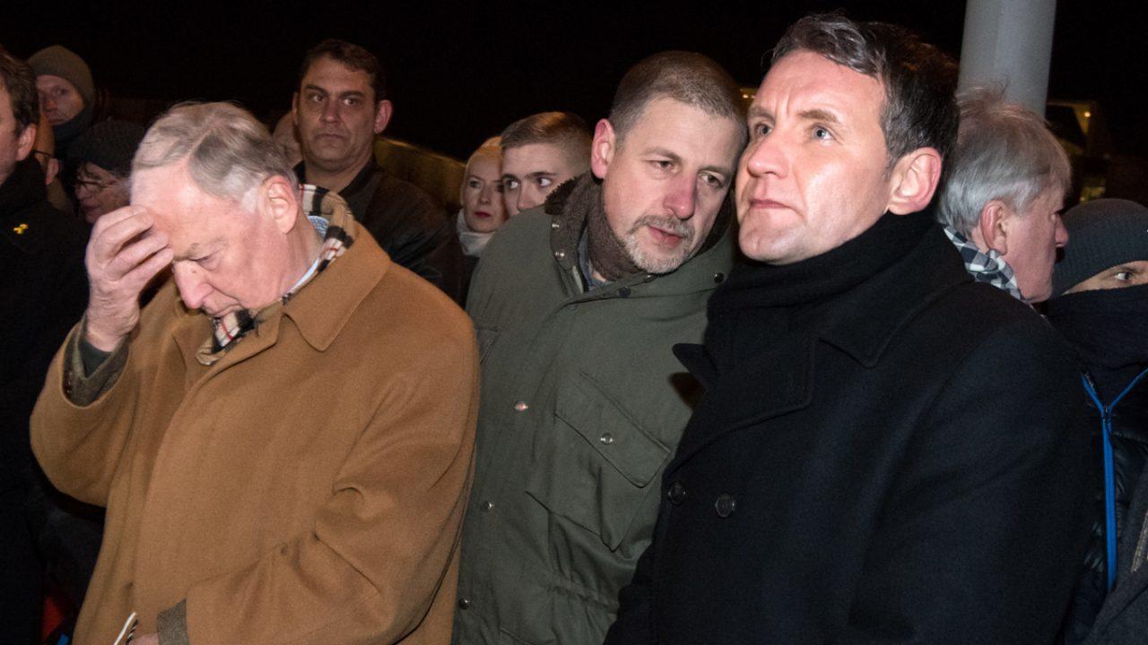 Mahnwache rechter Gruppen vor dem Bundeskanzleramt