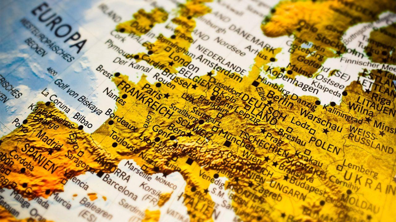 Foto von einem Globus-Ausschnitt, zu sehen: Europa