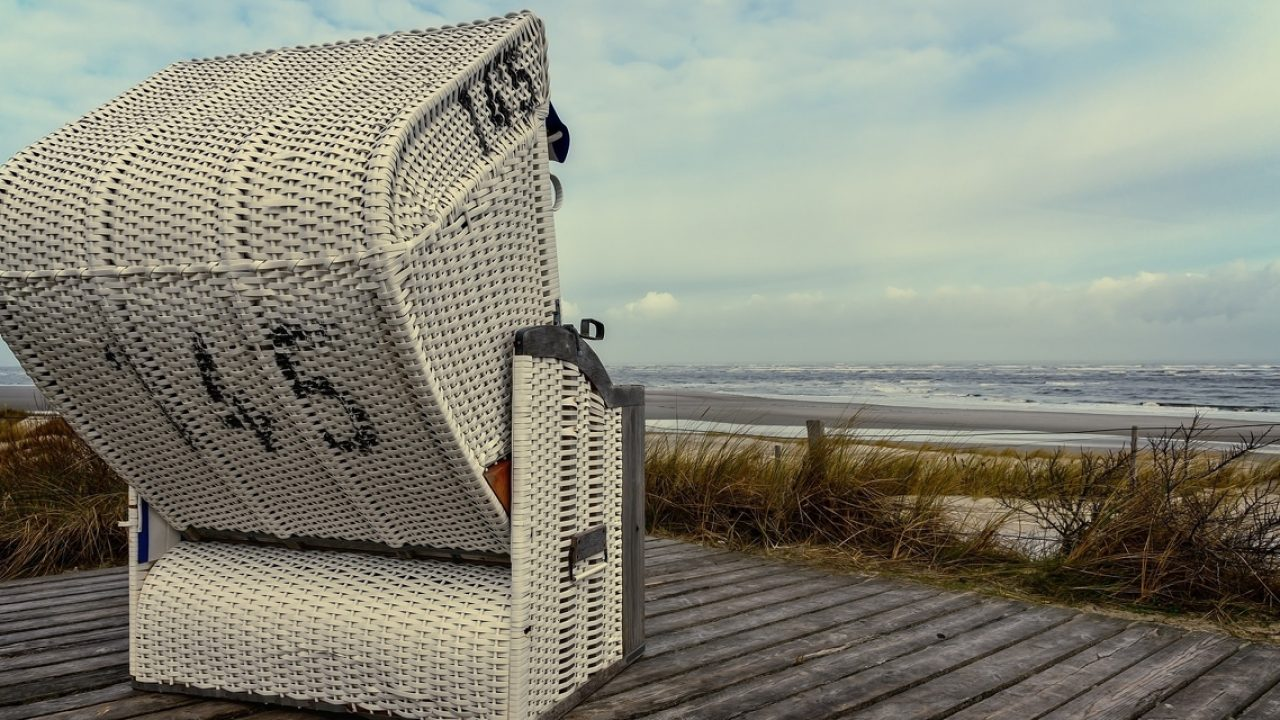 beach-chair-4059470_1920