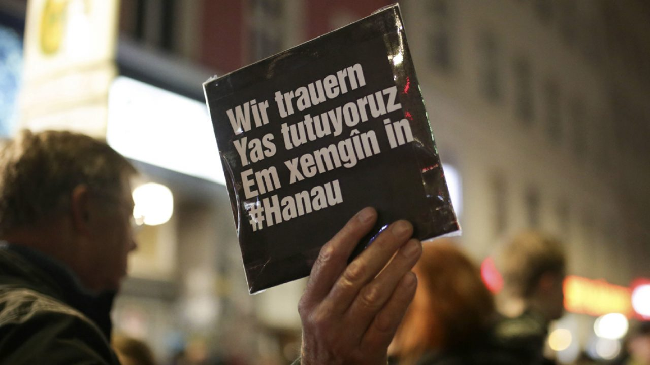 Demonstration in Gedenken an die Opfer vom rechtsextremen Anschlag von Hanau in Berlin