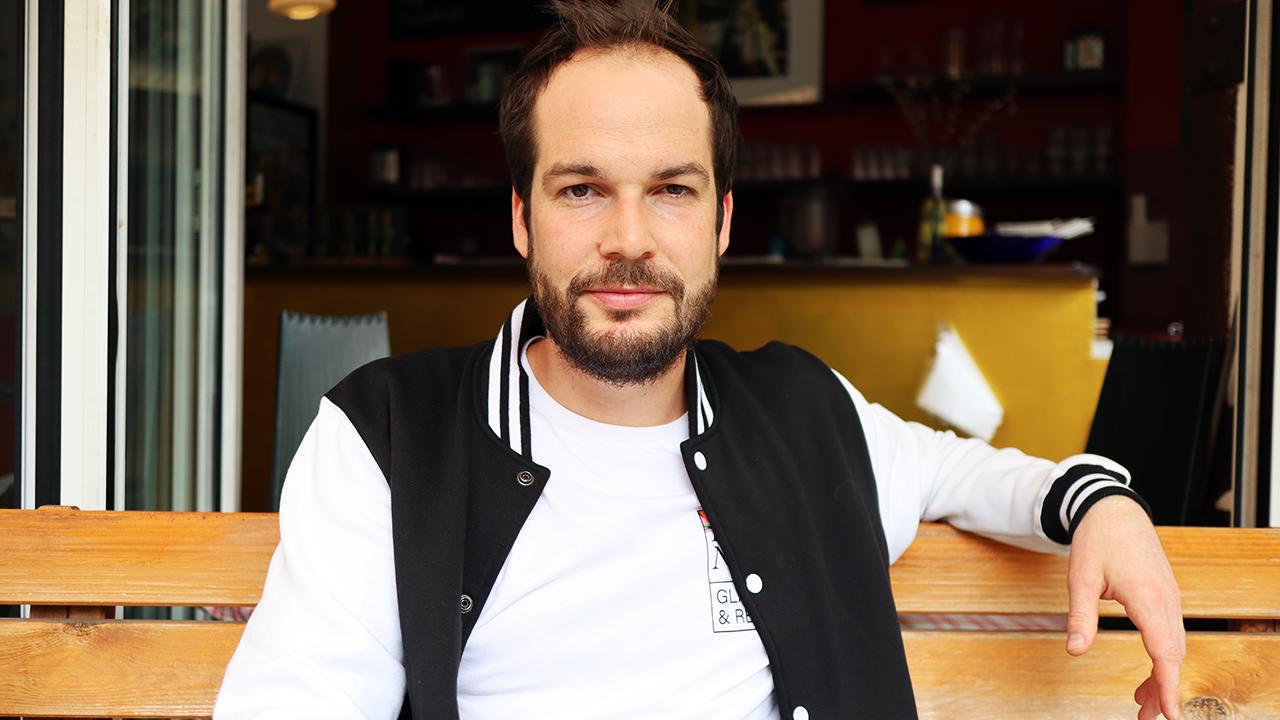 Der Autor und Lyriker Max Czollek.
