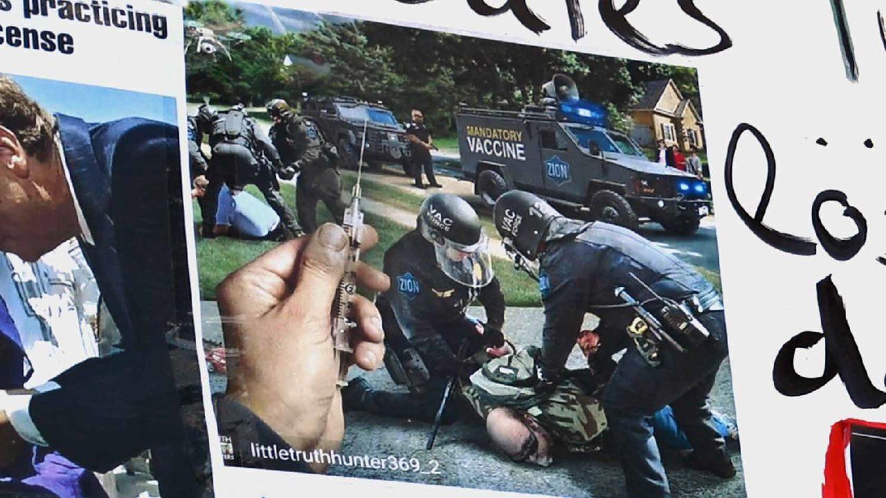 """Eine """"zionistische Zwangsimpfung"""" (Ausschnitt eines Plakats)"""