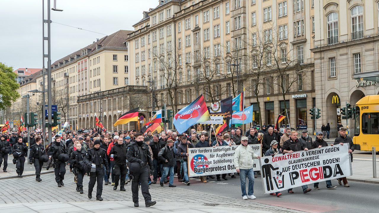 Grauer Block: Ein Pegida-Aufmarsch in Dresden 2017.