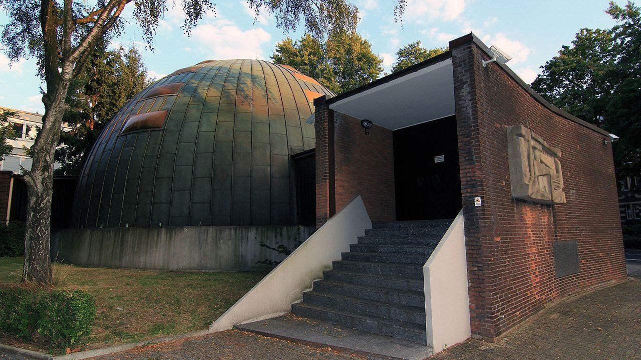 Neue_Synagoge,_Essen,_2016