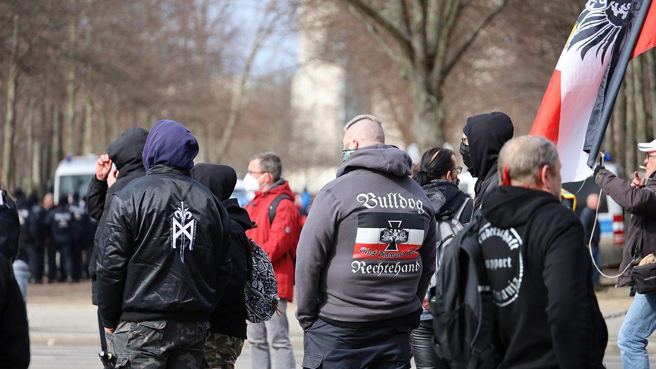20210320_Nazis Hooligans