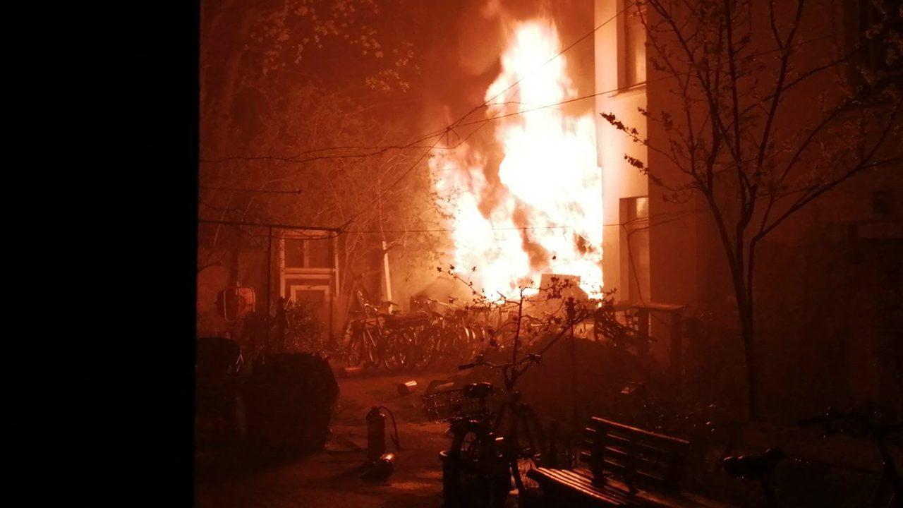 Feuer in der Jagowstraße 15, der zweite Brandanschlag in genauso vielen Wochen.