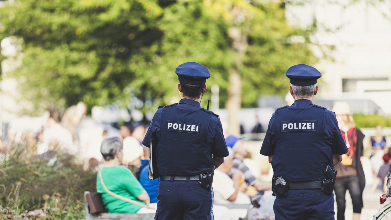 police-3622937_1920