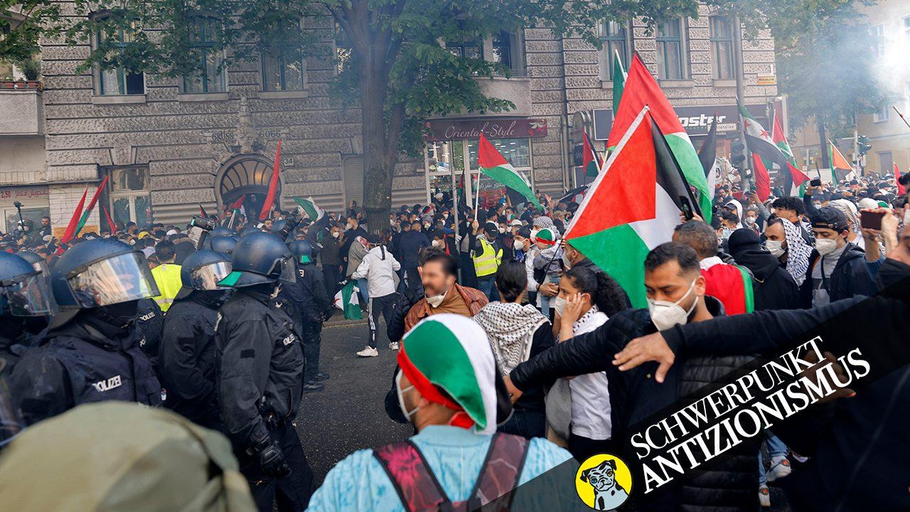"""3.500 Menschen demonstrierten am vergangenen Samstag in Berlin-Neukölln zum """"Nakba-Tag"""" gegen Israel. Es kam zu massiven Ausschreitungen: Flaschen, Böller und Steine wurden geworfen und Hygieneregeln missachtet."""