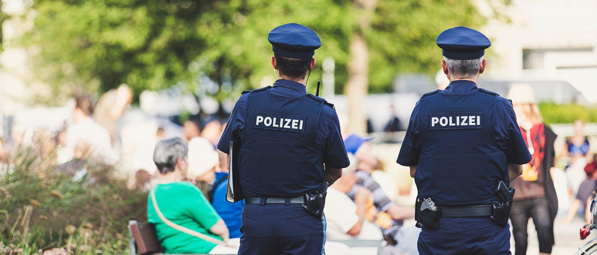 Die Polizei: Freund und Helfer oder Troll und Hater?