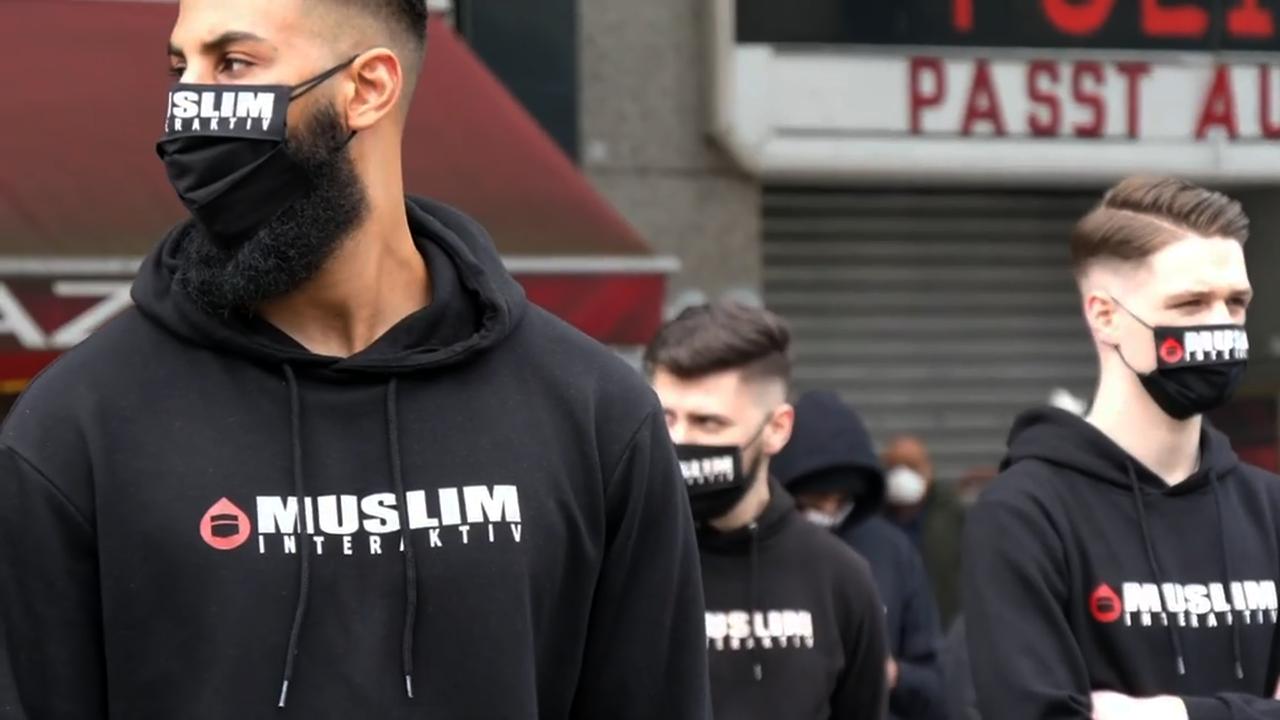 """Jung, medienversiert und radikal: """"Muslim Interaktiv"""""""