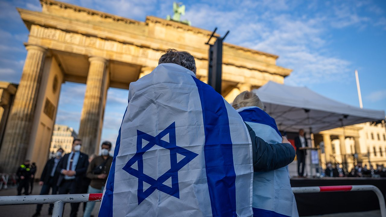 A pro-Israel rally in front of the Brandenburg Gate in Berlin during the latest escalation in the Middle East conflict in May 2021.