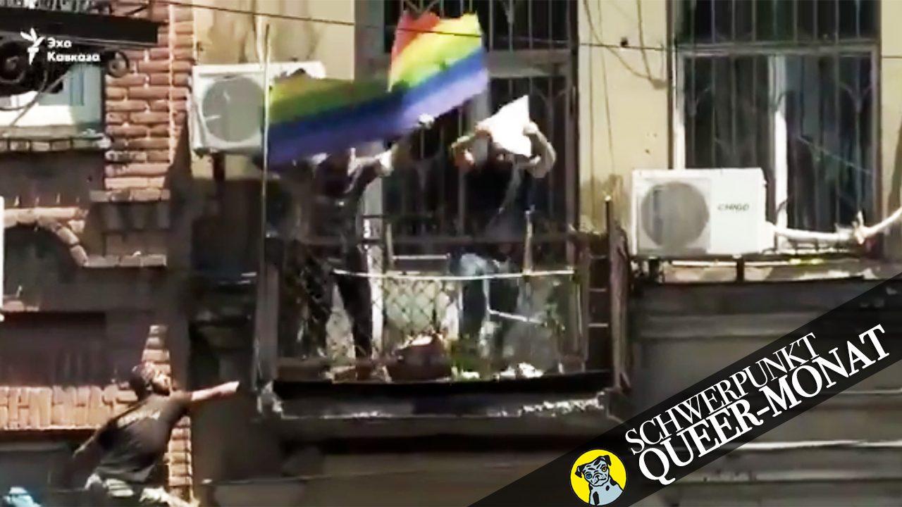 """Das Büro der """"Tbilisi Pride"""" wird von einem homofeindlichen Mob gestürmt und verwüstet"""