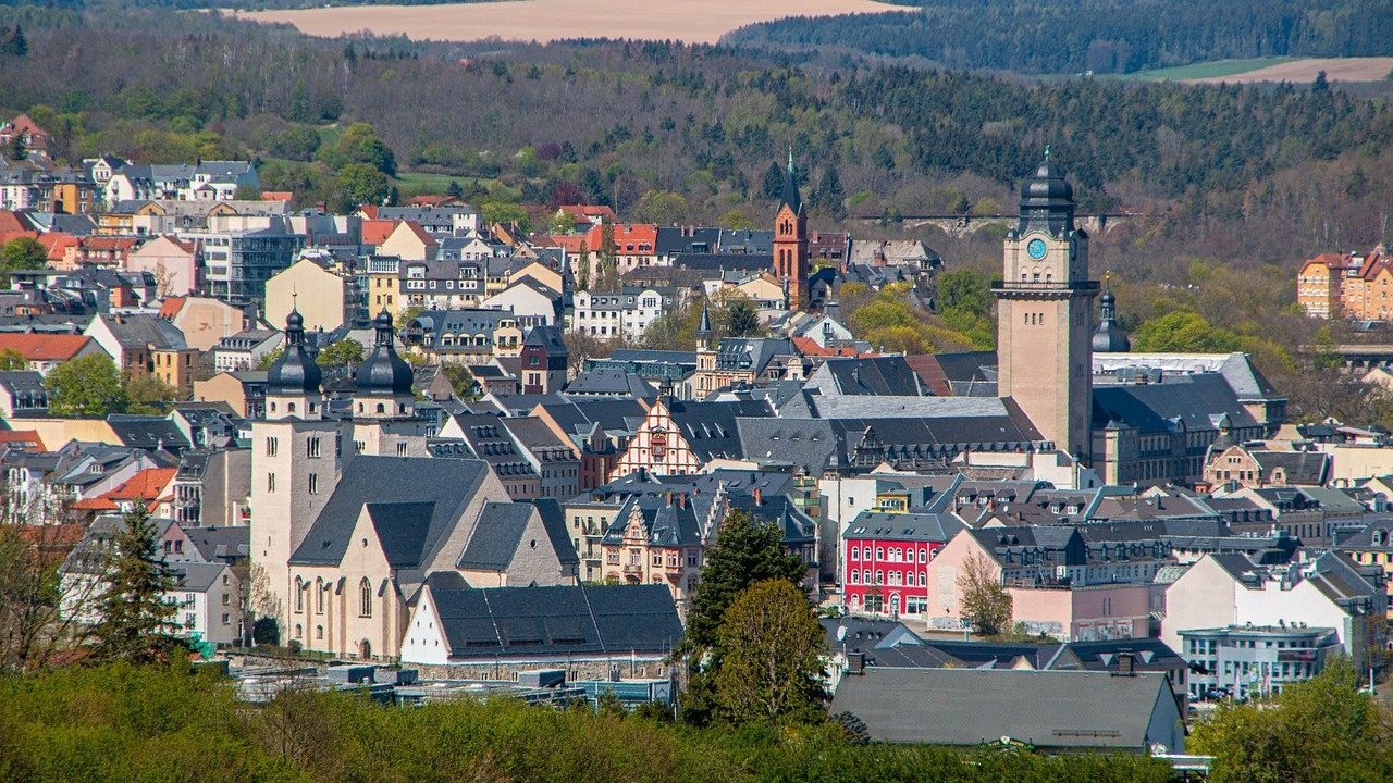 town-hall-g1bea95823_1280